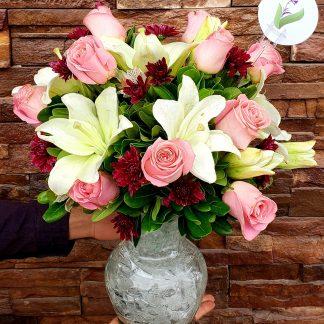 Jarron Rosas y Lilis