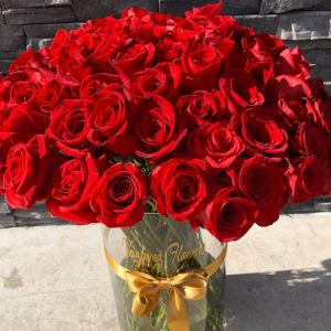 Jarron con 100 Rosas