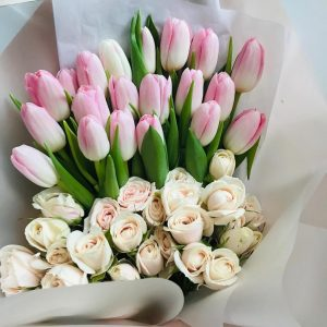 20 Tulipanes y Mini Rosas