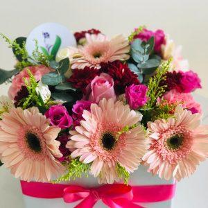 Gerberas Mixtas y Mini Rosas